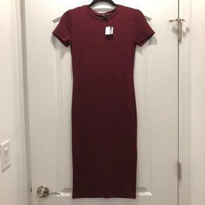 Forever21 burgundy short sleeve midi dress Size S